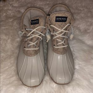 Sperry Top-Sider duck boots! Size 6. Never worn